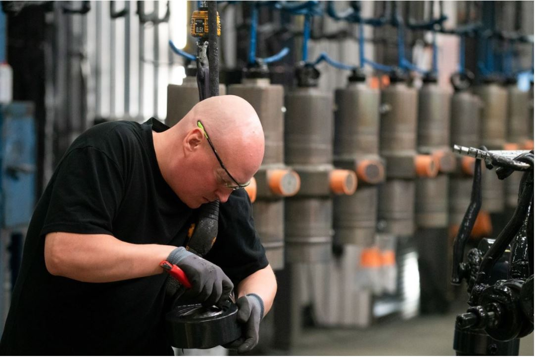 Norrhydro is an industrial company that designs, manufactures and services hydraulic cylinders