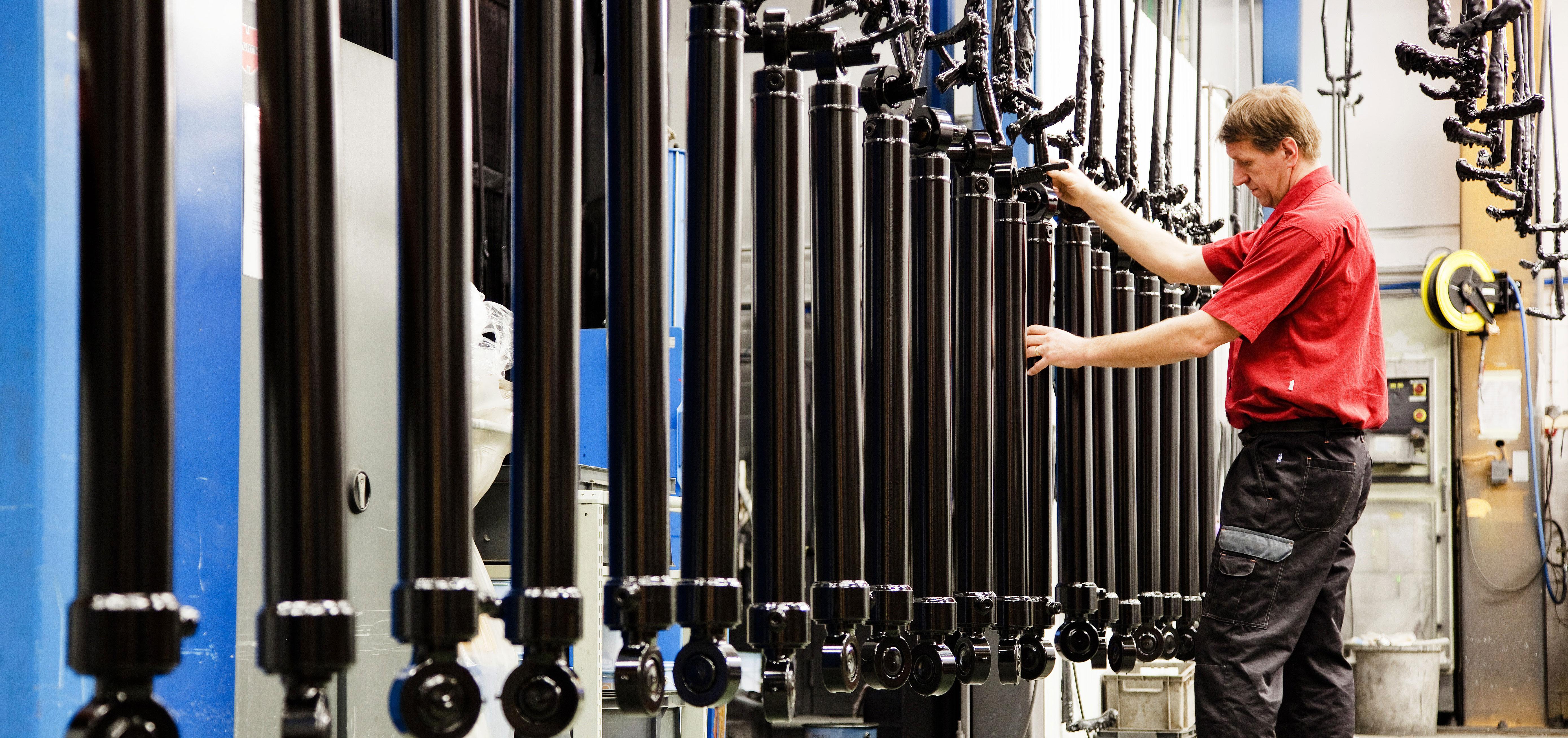 Hydraulic cylinder manufacturing